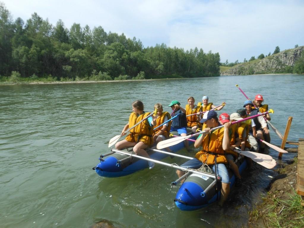 на лодке по реке миасс