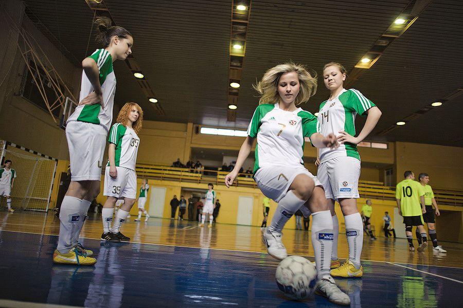 foto-devushek-futbolistok